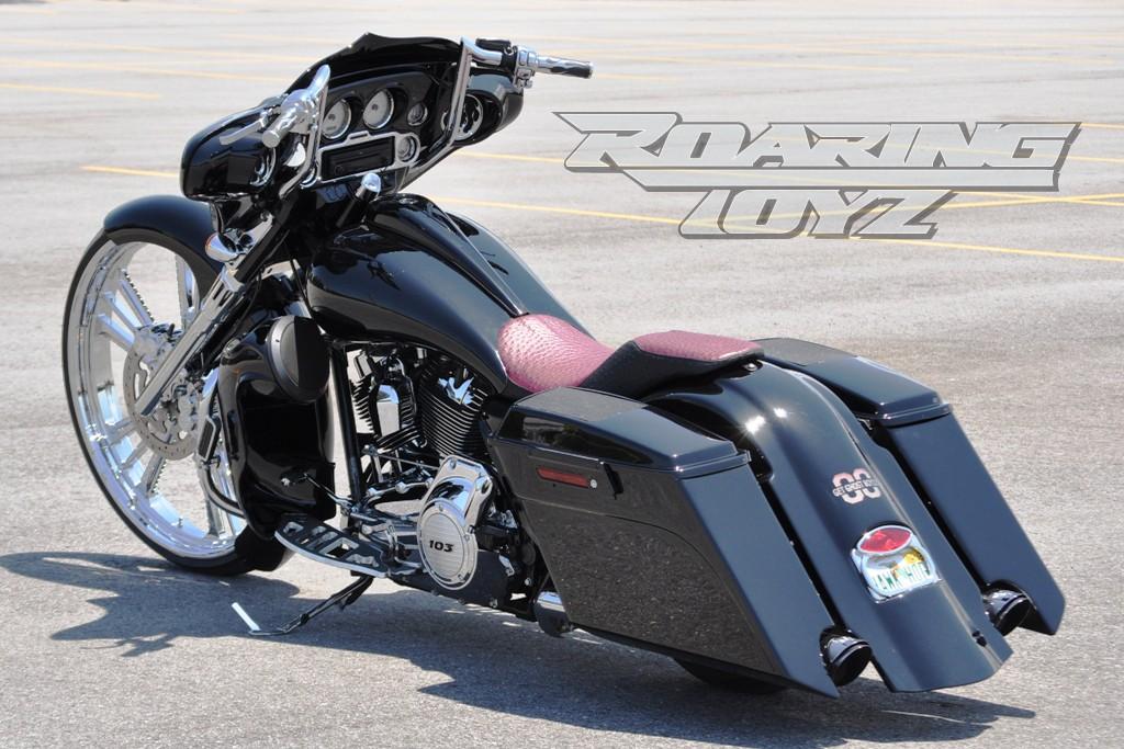 Roaring Toyz Custom 2012 Harley Davidson Street Glide 30in